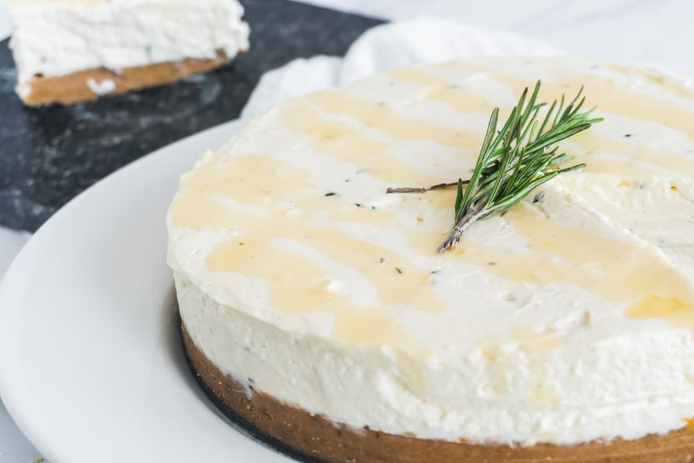 Quick and easy honey cheesecake